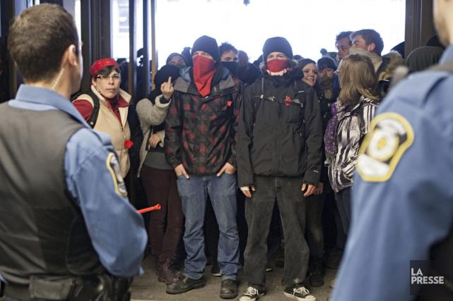 Gr ve tudiante huit mineurs jug s coupables c o b p for Chambre de la jeunesse montreal